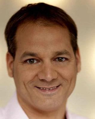 Tim Schlüter, Gründer von VOXR