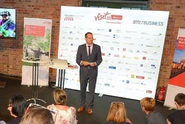 Tim Schlüter beim verbaende.com Infotag